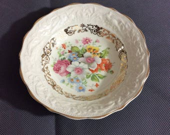 Vintage Stetson Warranted 22 kt Gold Trimmed Berry Bowl Multicolored Floral China 636R Made in USA