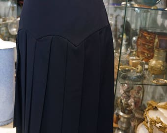 Navy pleated skirt size 38 GIVENCHY