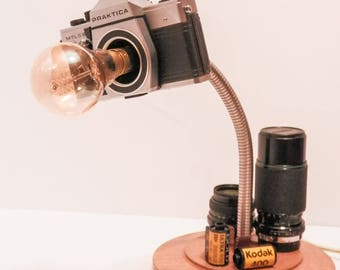 Upcycled Film SLR Camera With Gooseneck & Solid Wood Base Desk Lamp - Table Lighting - Office Lamp - Creative Design - Reworked Vintage