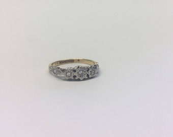 18ct Gold and Platinum Trilogy Ring With 3 Illusion Set Diamonds