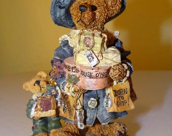 Boyds Bears, Bearstone Collection, Style #228306 Grace and Jonathan.....Born to Shop