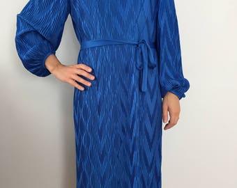 Bright Blue Vintage Long Sleeve Dress / Royal Blue Belted Dress / Tea Length Dress / Hal Ferman Micro Pleated Chevron Pattern Dress Size 8