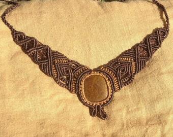 Tiger eye - Macrame necklace