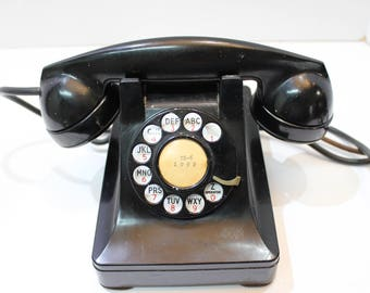 Vintage Rotary Telephone; Bell Systems Western Electric 302 with F1 Handset