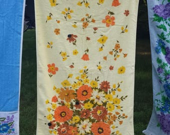 Cannon Riot of Color Bath Towel