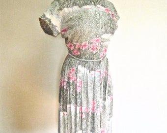 M L 50s 60s Pink Green Floral Nylon Day Dress Office Mad Men Vintage Pleats Belt Short Sleeves Medium Large