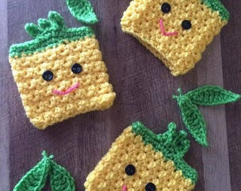 Smiley Pineapple Cup Cozy