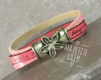 Girl or child leather pink bracelet with a nice magnetic closure