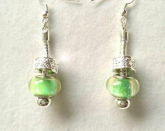 Stud Earrings green iridescent