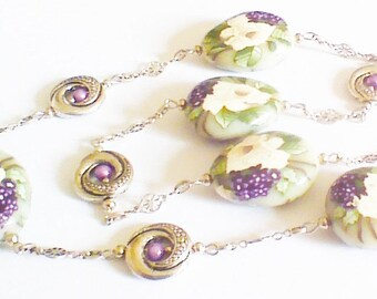 Necklace long, lilac and white pink.