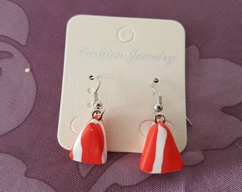 """""""Strawberry carton"""" hook earrings with polymer clay"""