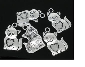 6 charms in antique silver cat shape