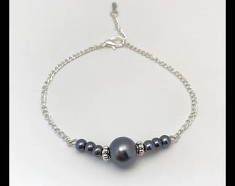 "Bracelet ""Grey"" and glass beads"