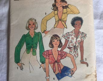 Vintage Sewing Pattern - Simplicity 6901 - 1970s Boho/Gypsy Tops in 4 Styles