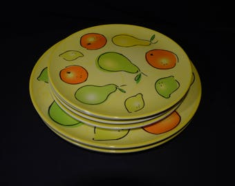 Vintage, Set of 8, Plates, Fruit design, Mid century, Plastic, Dinnerware, Camping, 4 dinner plates, 4 lunch plates, Pear, Apple, Orange