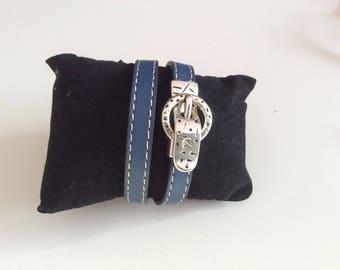Bracelet double turn blue leather.
