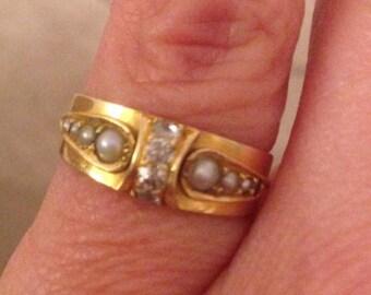 stylish 18ct gold with diamond & pearls
