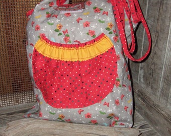 Tote bag in vibrant colors with pockets