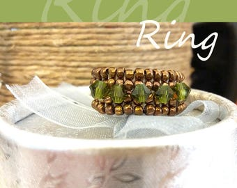 A beautiful Japanese rhyming ring with Swarovski beads