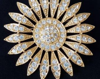 Daisy floral Vintage Brooch