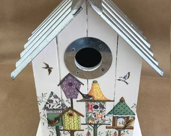 Bird House Nesting Box Vintage Style