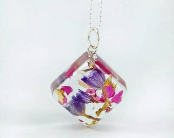 Real flower necklace Terrarium necklace Botanical necklace Resin jewelry Nature lover gift for mum Real flower jewelry Mothers day gift
