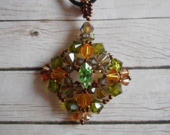 Lozenge necklace beads