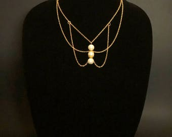 Women's gold necklace / white pearl necklace / gold chain necklace
