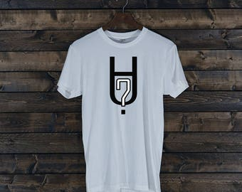 Hu? Apparel: United Signature