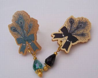 Gold JEWEL FEATHER Brooch