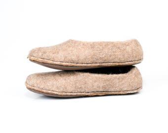 Pink women's slippers with cork and leather soles, Felted wool slippers, felt slippers, house shoes, Felted shoes slippers, Wool clogs