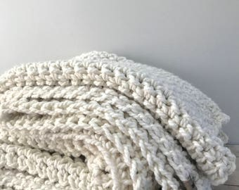 Chunky wool throw : natural ivory | handmade | cozy wool blend | winter home decor | throw blanket | knit | super soft | holiday decor