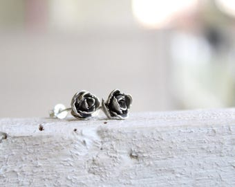 Succulent earrings-Sterling silver succulent studs-Succulent small earrings -Succulent plant-Plant jewelry -Cast jewelry -Gift for women