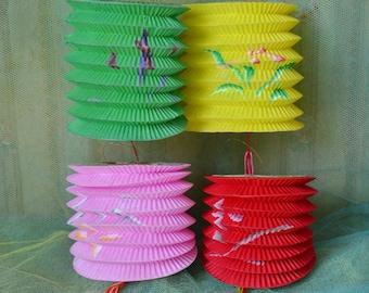 Vintage Chinese Paper Lanterns Floral Design Lot of 4