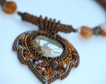 Rare and unique vintage handmade all-beaded beadwork necklace