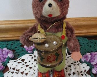 Vintage  Display Toy Wind-up Drummer Brown Furry Bear  Tin  Japan