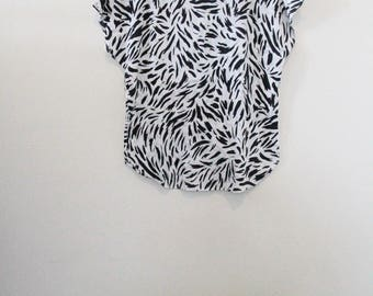 80's Black and White Strokes Top