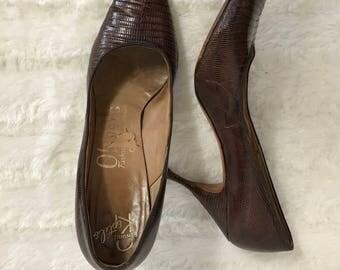 Vintage 50s 60s Carmelletes Brown Reptile Pumps Heels - Size 7 1/2