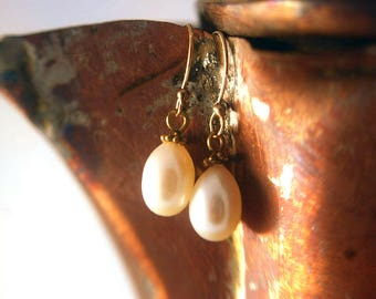 White Freshwater Pearl and 24k Gold Vermeil Earring