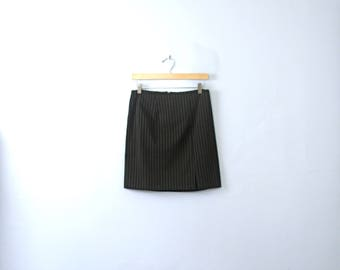 Vintage 90's pinstriped black mini skirt with slit, size 5 / 6 medium