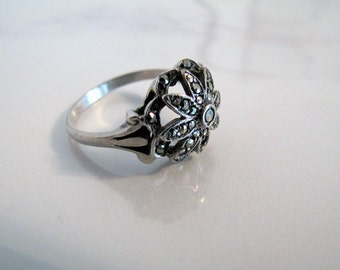 Art Deco Sterling Silver Marcasite Ring. Daisy Flower Cluster Ring. Size 7.5 Antique English Silver Ring In Box Size O. 1930s Art Deco