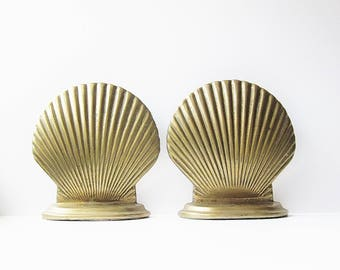 Brass Clam Shell Bookends Mid Century Coastal Home Decor Vintage Scallop Shell Shaped Metal Book Holders Leonard Mfg Co A Towle Co Taiwan