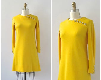 BRIGHT IDEA Vintage 60s Dress   1960's Yellow Shift Knit Dress with Rhinestone Buttons   Cocktail, Mid Century, Mod, Mad Men   Size Medium