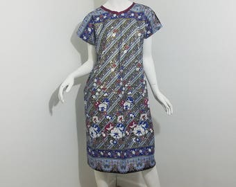 Dolman sleeved African Print dress- Gold, blue, maroon floral pattern with maroon trim (size: US 6-8)