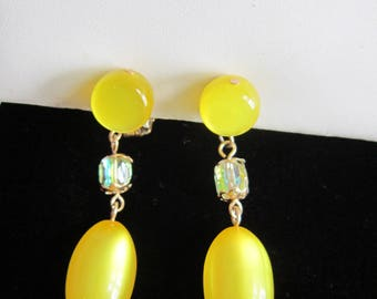 Lemon Yellow Earrings Thermoset Moon Glow AB Faceted Stone Dangle Clip-Vintage  1950 Era