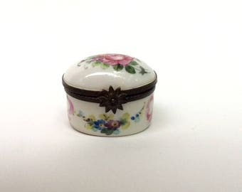 Antique French Snuff Box - Handpainted and Made c.1800