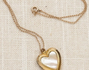 Heart Locket Necklace Vintage Gold Mother of Pearl Pearlized Chain Costume Jewelry 7L