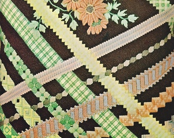 1970s Ribbons Bucilla Needlepoint Pillow Kit 4831 15 Inch Square Decorator Pillow Kit Includes Backing, Zipper, Cording, Canvas & Yarn