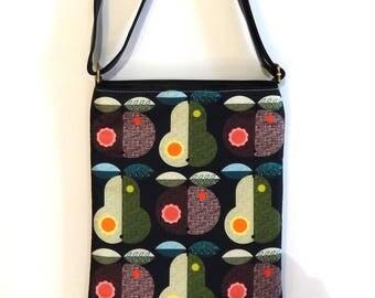 Autumn fruits, sling bag