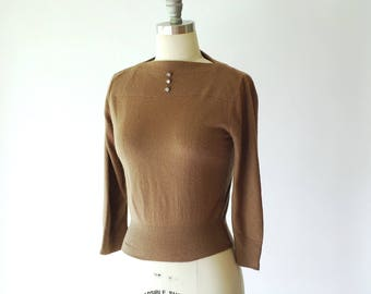 vintage 1950s brown pullover sweater / size small medium